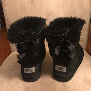 Girls Ugg Bow Boots 3280, Black Size 3
